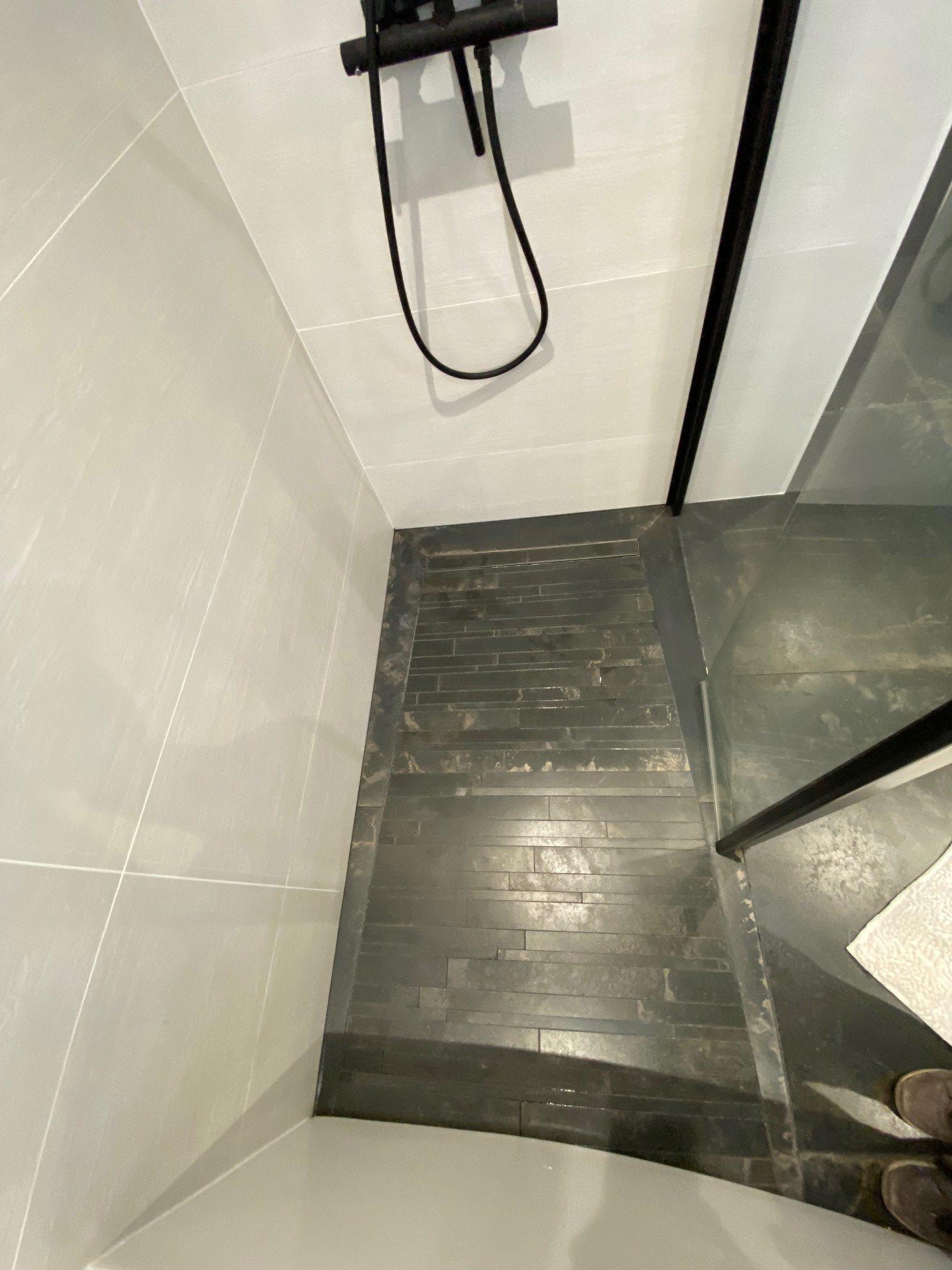 douche italienne avec caniveau encastré