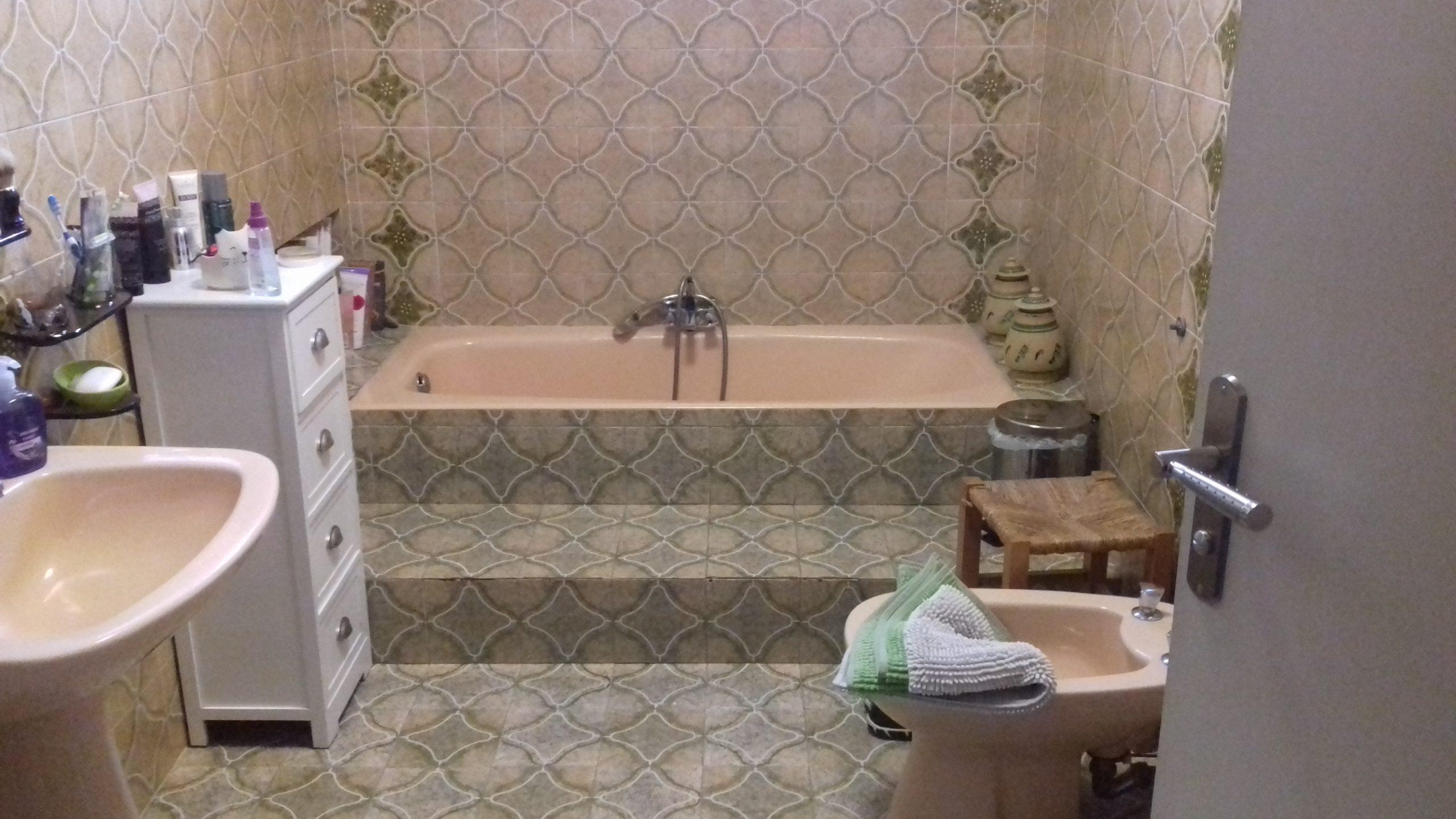 avant : baignoire surélevée
