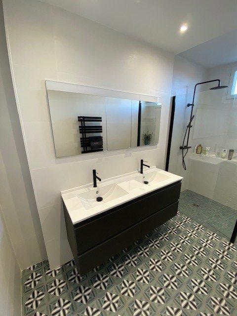 meuble doubles vasques et armoire de toilette encastrée